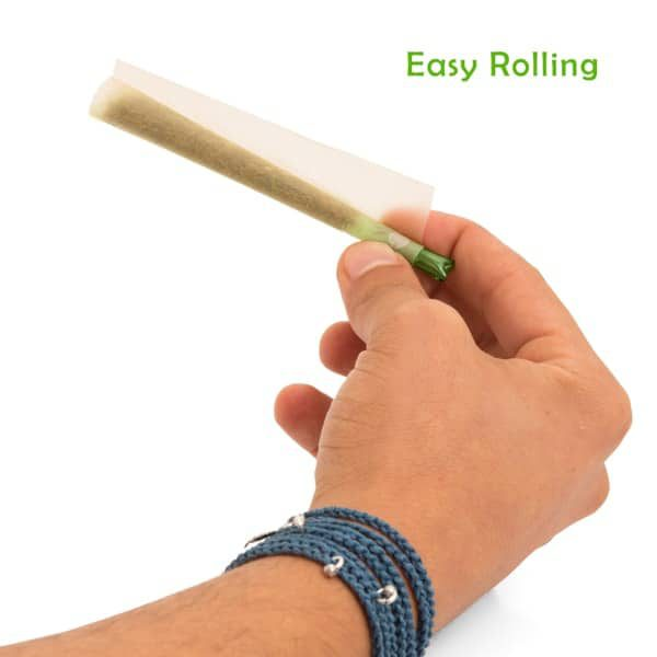 new-bingos-ultralight-glass-filter-tip-balanced-green-rolling-on-a-paper-showing-how-easy-to-roll-it-is-smooth-english-text-min