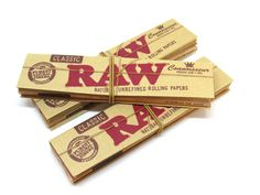 RAW King size classic rolling papers with tips