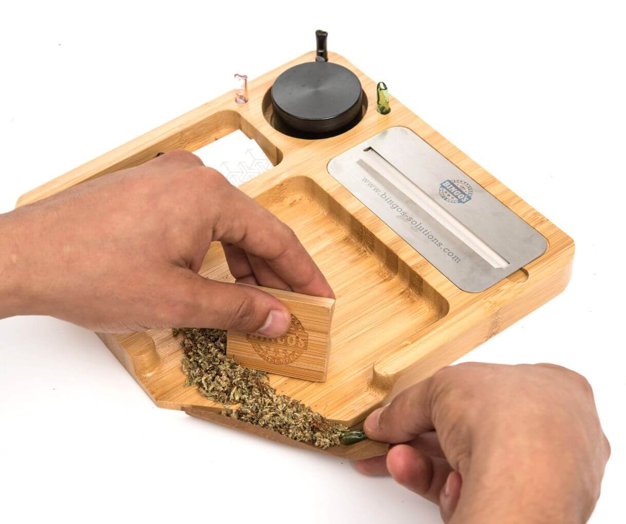 Bingo's Smart Rolling Tray models COMFORT Shows how to roll a joint or a blunt with glass tips and rolling tray